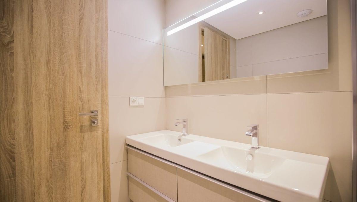 B11_ROYAL_BANUS_Marbella-BathroomJ74A3739