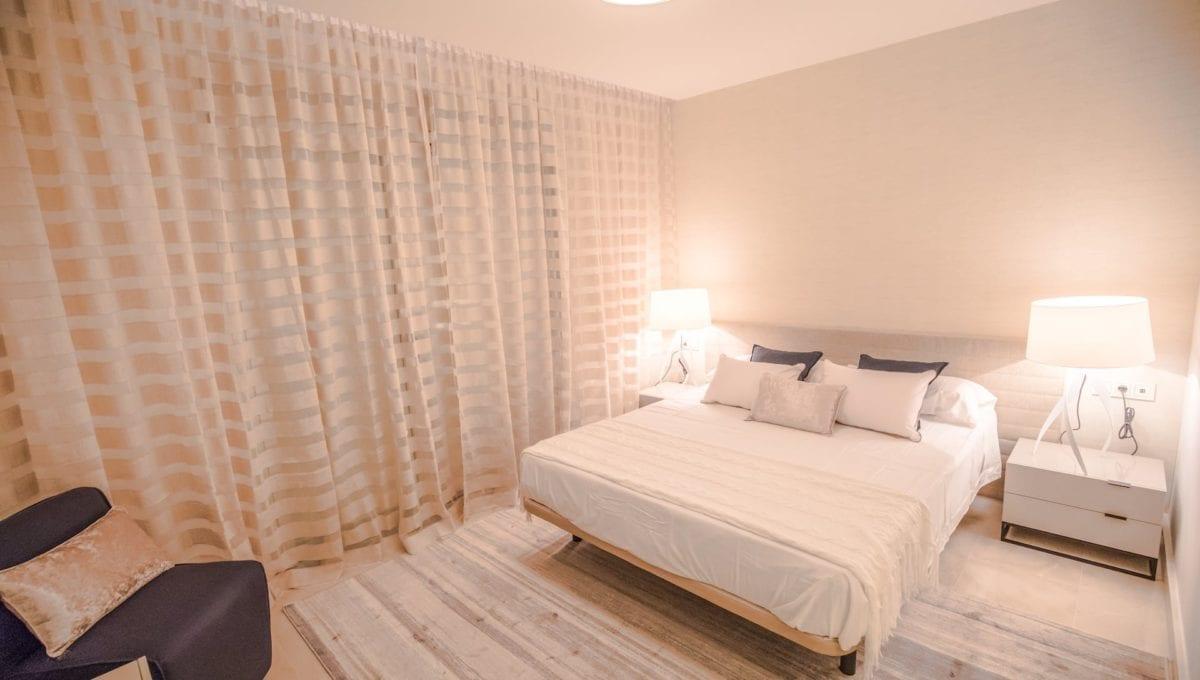 B8_ROYAL_BANUS_Marbella-bedroom_J74A3732